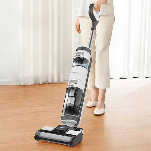These types of tools have advanced functions, and a variety of options homeowners would find beneficial. As the name implies, wet cleansers use water to remove dirt, dust, and stains from your carpets. These are powerful machines that can lift anything from light to heavy soil. Some models have a double brush attachment which is great for lifting even the deepest dirt out of your carpet. Additionally, wet cleaners have an expect mode that allows your carpets to be dry within one hour.